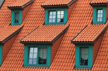 Jak naprawić przeciekający dach