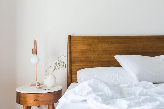 Jak wzmocnić stelaż łóżka?